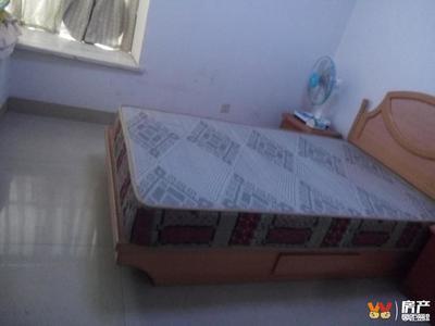 急租青年城标准两室 家具家电齐全 可拎包入住 可实地看房
