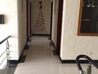 出租碧峰园3室2厅2卫140平米2800元/月住宅