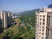 山水原著带60平私家顶楼露台,正望七星山,能望长江哦!
