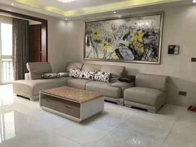 鑫领寓 133平米带入户户型客厅宽敞大气 房东安心卖价格低于市场价格