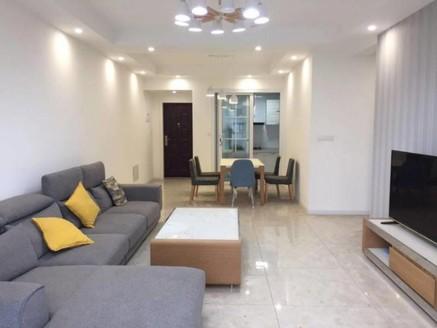 出售盛世临港4室2厅2卫130平米78万住宅