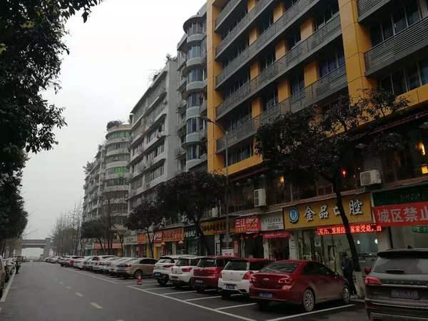 合江街56号家具齐全、设施到位、提包入住、交通方便、购物方便