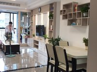 出售成中 城中央3室2厅2卫120平米48万住宅