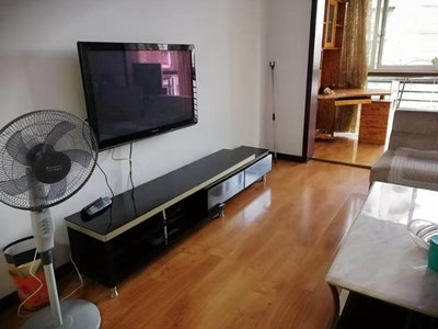 西區 魯能D街區 緊鄰東方時代廣場、崇文路 拎包入住 2室2廳1衛