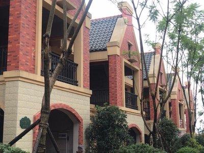 出售御景莊園5室3廳4衛350平米150萬住宅