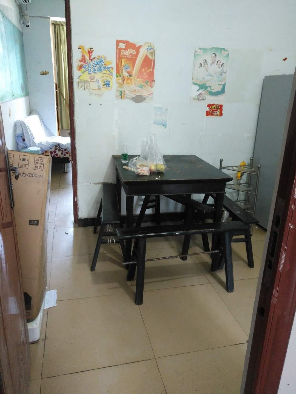 出租中山街1室1厅1卫35平米800元/月住宅