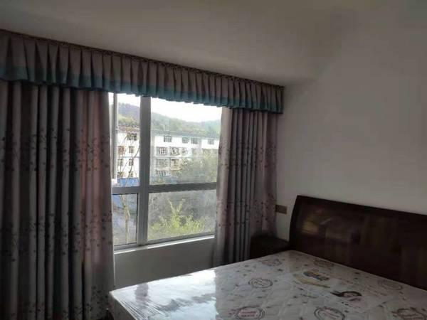 出租港腾 邻里城3室1厅1卫83平米2000元/月住宅
