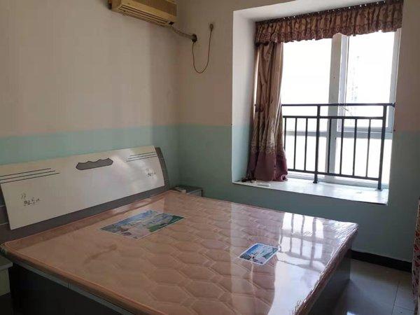 出租成中 城中央1室1厅1卫60平米700元/月住宅