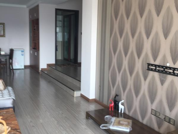 碧竹山莊大三居中庭電梯房