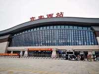 站前广场进出口位置现铺出售 客运站和旅游集散中心 6米层高