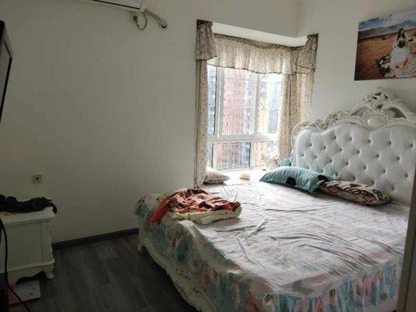 出售南山星城2室2厅1卫94平米68万住宅豪华装修