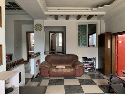 出售中心路3室2厅2卫139平米84万住宅