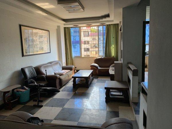 出租中心路3室2厅2卫139.8平米1800元/月住宅