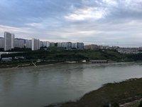 出售正和 滨江国际4室2厅2卫130平米145万住宅