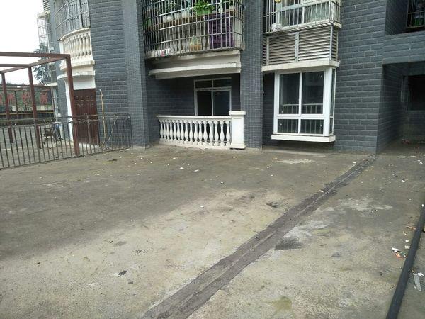 出售天宇華廷2室1廳1衛帶大露臺148平米58萬住宅