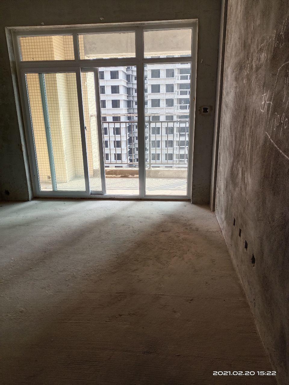 出租3室2厅2卫96平米800元/月住宅