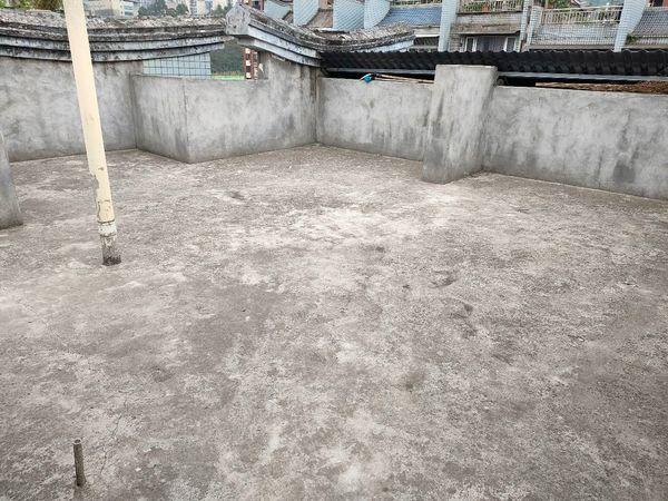 中介勿扰出售梁雁河湾4室2厅2卫130.3平米73万住宅