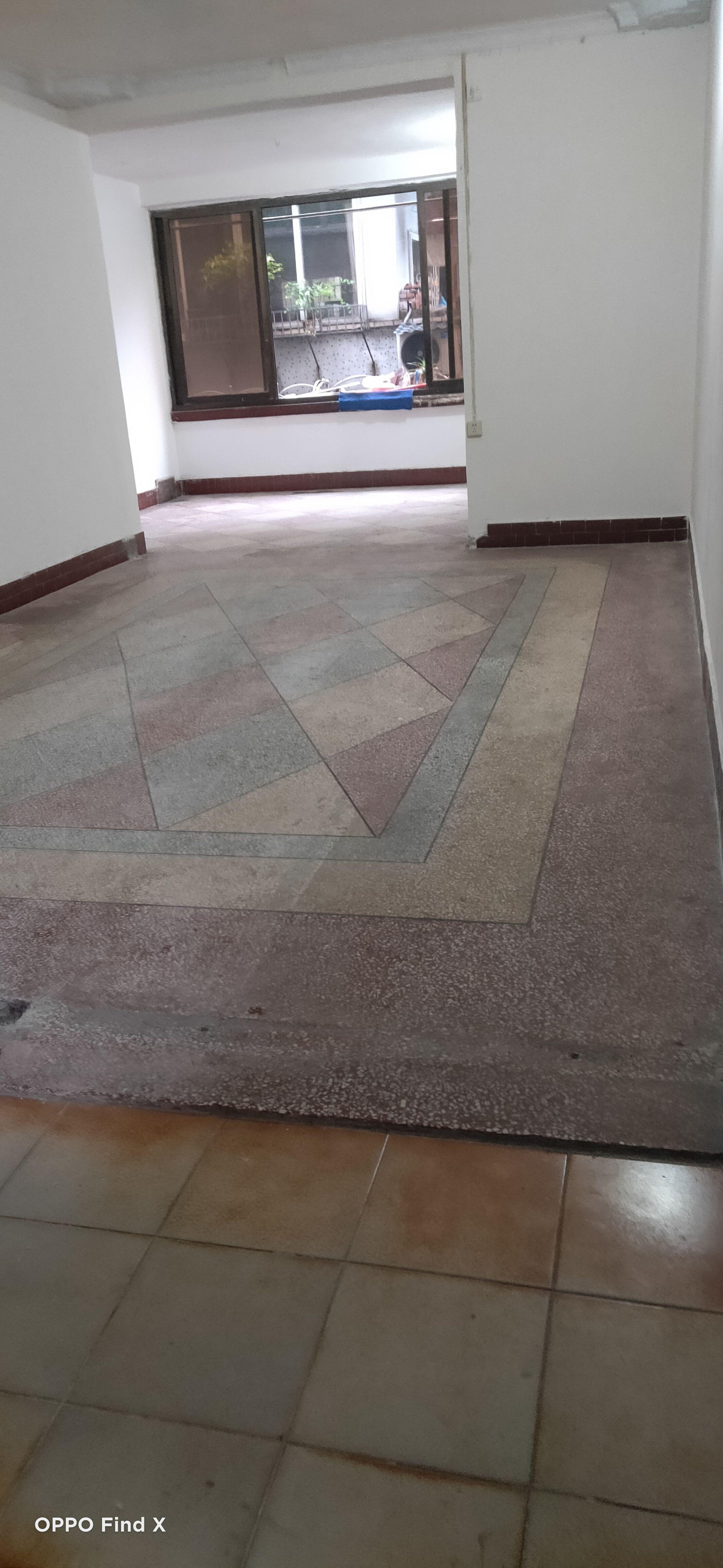 城墙巷2号楼3室2厅1卫150平米1600元/月住宅