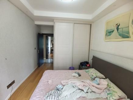 業主急售南岸西區、龍源府邸電梯精裝大三室,可拎包入住