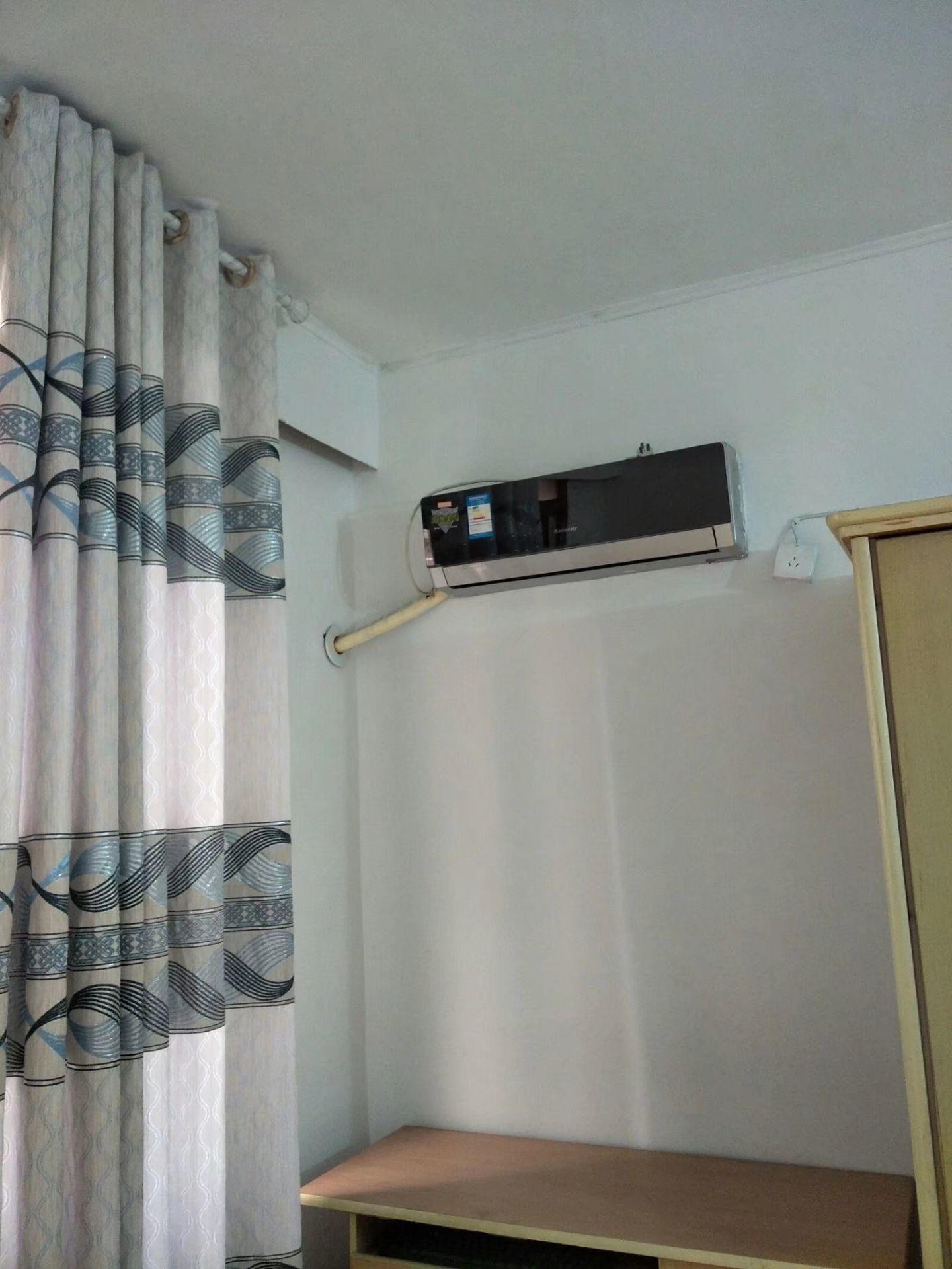 出租文星街8室1厅4卫40平米400元/月住宅