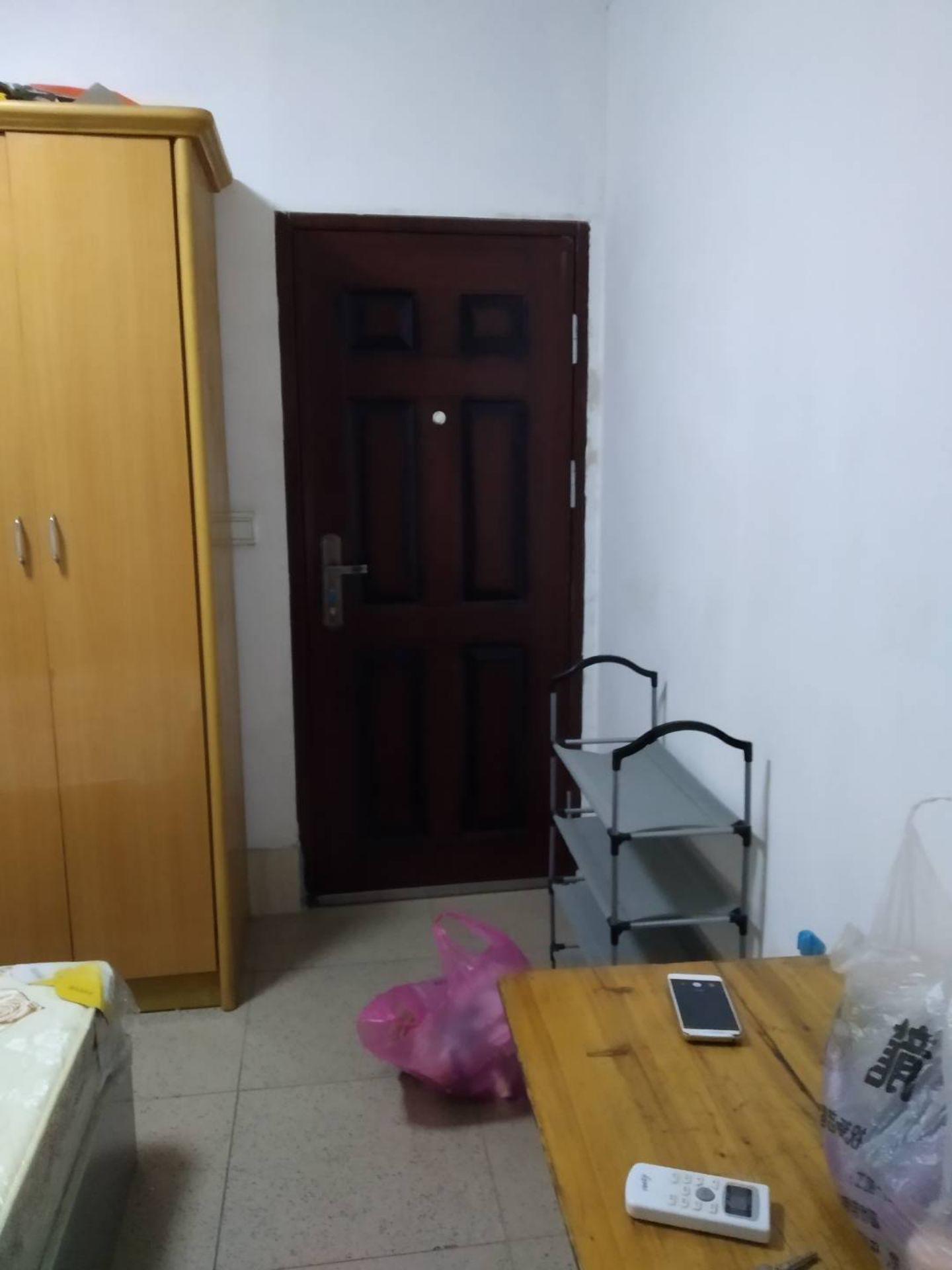 出租自强里1室0厅1卫20平米700元/月住宅