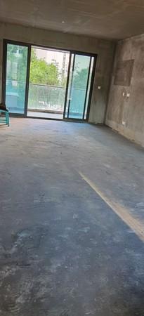 亏本出售邦泰 天誉4室2厅2卫139.75平米带车位住宅