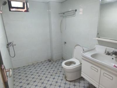 青年城2房1厅1厨1卫出租,租金1550,看房有钥匙